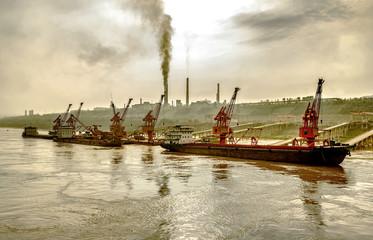 Riverside fabriek en dock