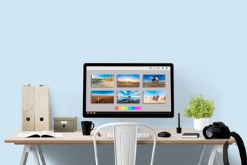 Bildbearbeitung - Monitor und Equipment am Arbeitsplatz - Textfreiraum