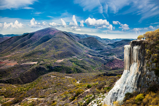 Thermal Mineral Spring Hierve el Agua, natural rock formations i