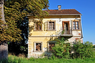 sehr altes Haus, Ruine