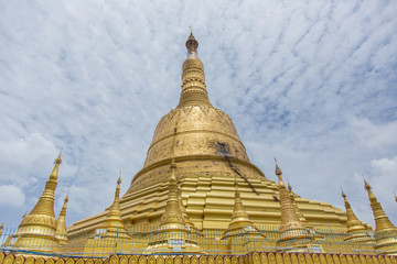 Bago, Myanmar - June 22, 2558: Shewemawdaw Paya or Mutao It is a