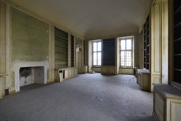 Urbex - ancient abandoned luxury room