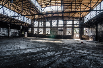 grosse halle in fabrik