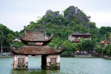 PAGODE THAY - pagode du Maître - Proche Hanoi au Vietnam - Film Indochine