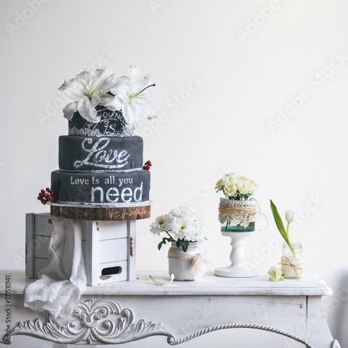 Amazing wedding cake with decoration on white wooden for Amazing wedding cake decoration game
