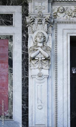 Scultura su pilastro architettura classica stockfotos for Architettura classica