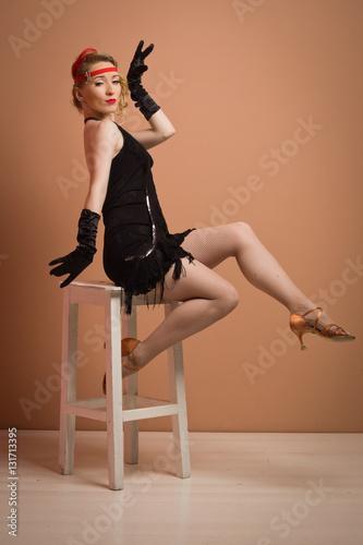 917d2d56ec09 pretty actress in black retro dress with headband