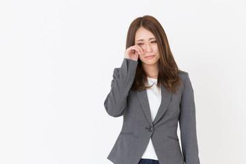 泣く女性 ビジネス