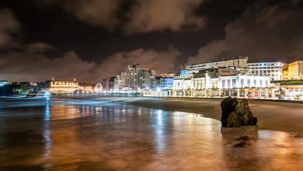 Plage de Biarritz la nuit, Pays Basque, France