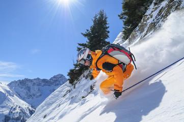 Wall Mural - Skifahrer in steilem Gelände