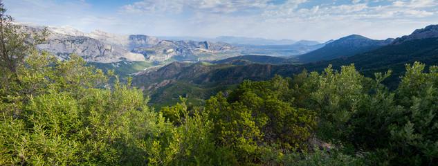 Sardiniens Landschaft im Sommer