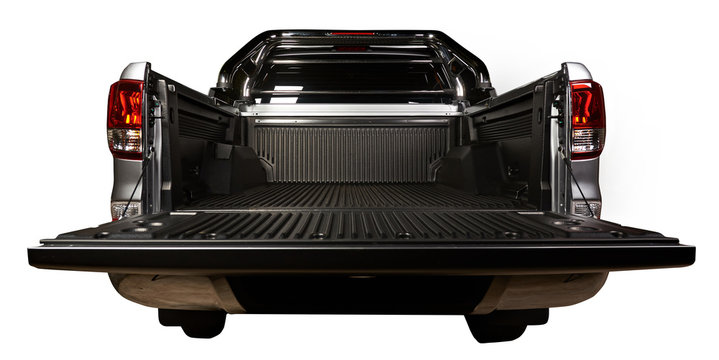 Open pickup trunk