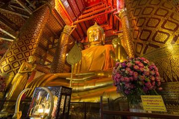 Luang Pho Tho, 19 meter tall Buddha, Wat Phanan Choeng, Ayutthaya, Thailand