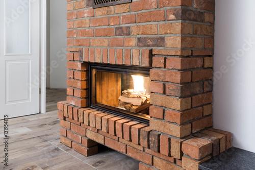 moderner kamin oder ofen stockfotos und lizenzfreie bilder auf bild 131954175. Black Bedroom Furniture Sets. Home Design Ideas