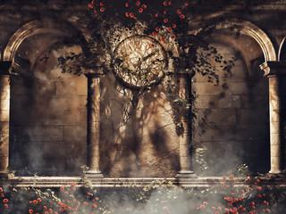 Gotycka ściana z bluszczem, różami i starym zegarem