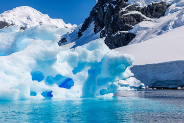 Acrylic Prints Antarctic Eisberg in der Antarktis