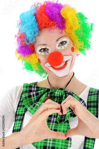 Clown In Kostum Zu Karneval Fasching Oder Fastnacht Formt Herz Aus