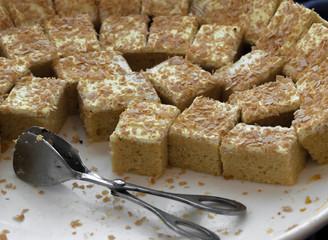 DURIAN CREAM CAKES