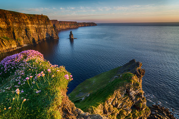 Ireland countryside tourist attraction in County Clare. The Cliffs of Moher and castle Ireland. Epic Irish Landscape Seascape along the wild atlantic way. Beautiful scenic nature hdr Ireland. Fotoväggar