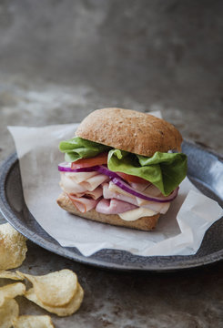 Cold cut snadwich with whole wheat bun