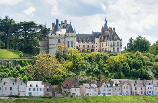 Schloss Chaumont, Loire, Frankreich über die Loire hinweg gesehen