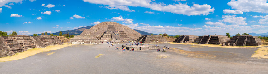 Door stickers Mexico View of the Pyramid of the Moon and the Plaza of the Moon at Teotihuacan in Mexico