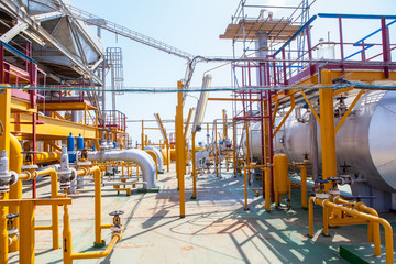 Oil Platform pipeline and pressure transfer system
