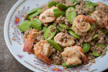 Stir-fried stink bean with shrimp and minced pork