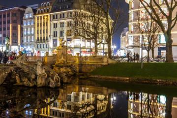 Die berühmte Königsallee in Düsseldorf.