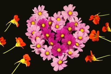 cuore di fiori rosa