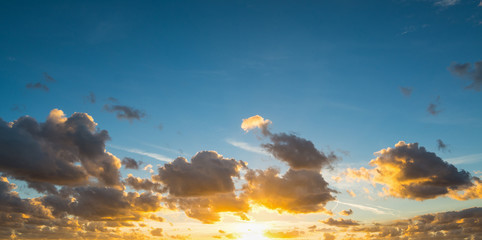 Fotobehang - clouds at sunset