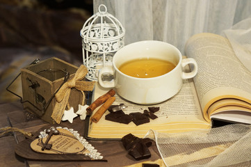 фото книг и чая
