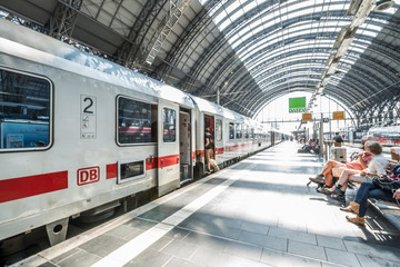 Printed kitchen splashbacks Train Station Traffic Frankfurt am Main - Bahnhof