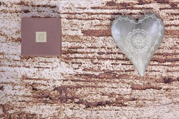 Serca i prezenty dla zakochanych