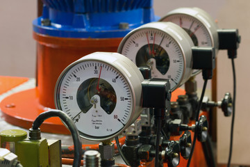 Industrial barometers