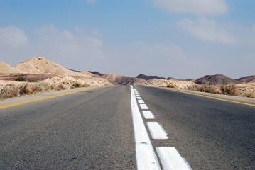 Fotobehang Kanaal Desert road