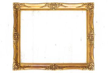 Goldener Bilderrahmen im Querformat / isoliert mit Textfreiraum