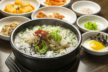 韓国料理 豆もやしのスープ