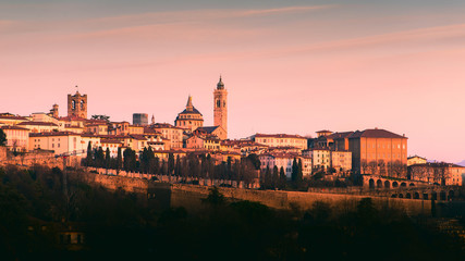 Fotomurales - Bergamo Alta old town colored af sunset's lights - Lombardy Italy