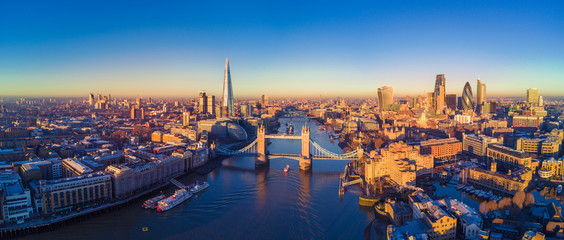 Autocollant pour porte London Aerial view of London and the River Thames