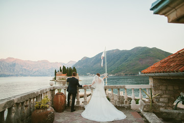 honeymoon wedding couple travel Europe