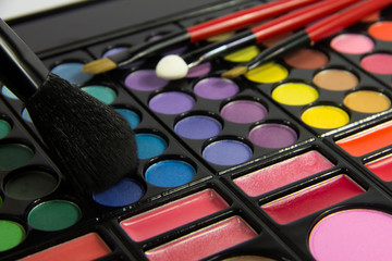 Eyeshadow Palette. Decorative cosmetics. Makeup brushes