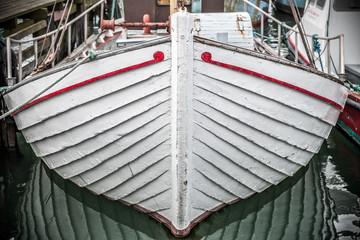 bateau blanc