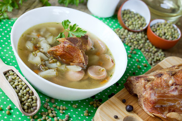 Soup with mung beans