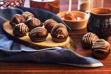 Chocolate profiteroles with honey and tea