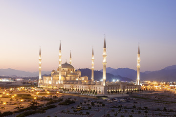 Wall Mural - Grand Mosque in Fujairah, UAE