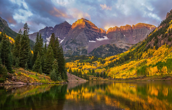 Maroon Bells - Fall Foliage