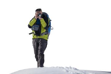 Fotografo nella neve isolato su fondo bianco