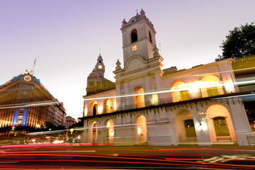 Night automobile traffic front of the Cabildo of Buenos Aires, n