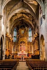Dans la basilique Saint-Pierre d'Avignon